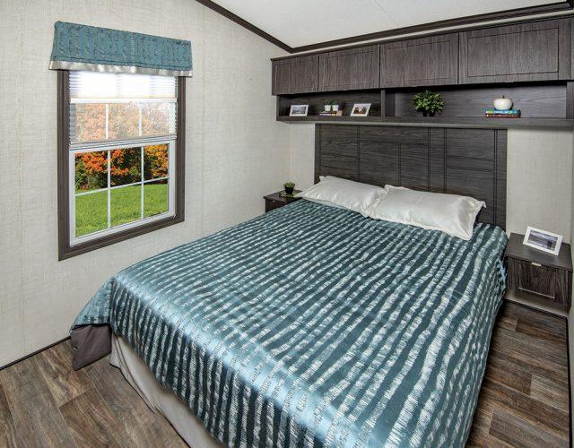Northlander Escape Park Model Cottage - Master Bathroom