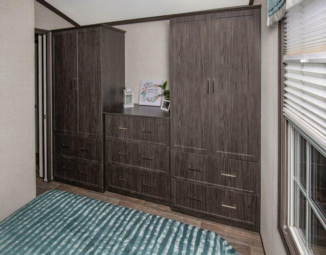 Northlander Escape Park Model Cottage - Bathroom Wardrobe