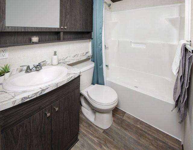 Northlander Escape Park Model Cottage - Bathroom
