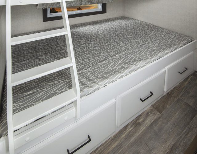 Northlander Luxe Park Model | Bed Bunks