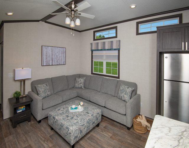 Tropic River - Livingroom